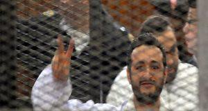 تأجيل إعادة محاكمة أحمد دومة في أحداث مجلس الوزراء
