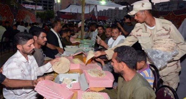 القوات المسلحة تقيم 132 مائدة إفطار رمضانية بالمحافظات